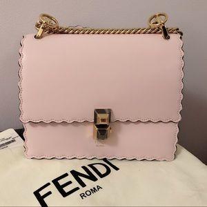 💯Auth. Fendi Kan I Scalloped handbag in Pink